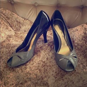 Ombré black and gray Antonio Melani Heels